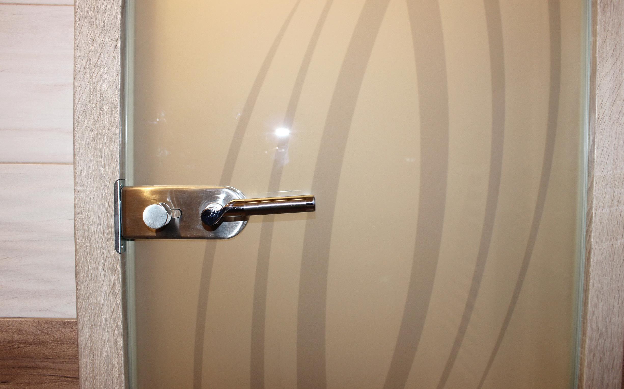 sklenene_dvere_otočné _DGG-189.2