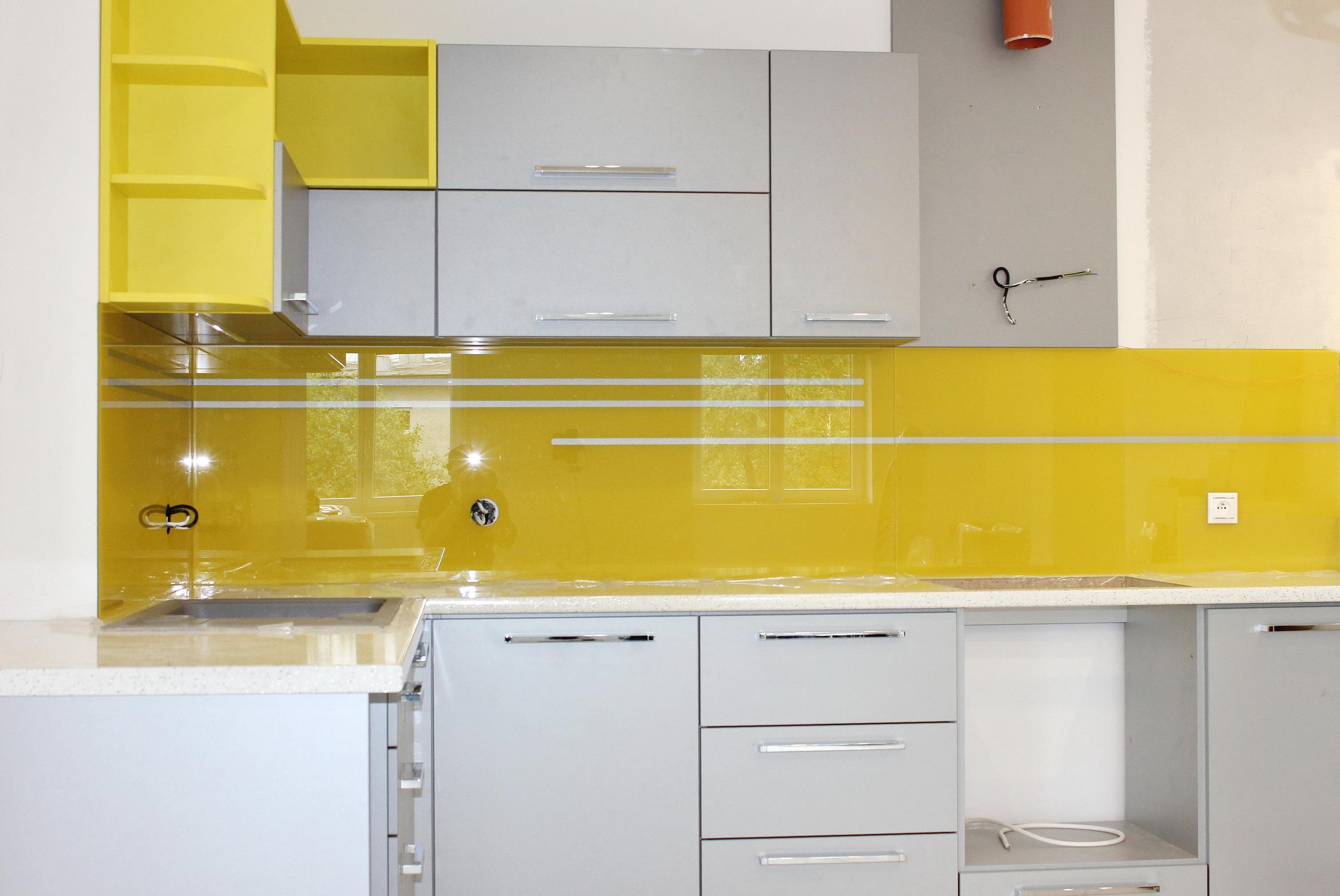 sklenená kuchynská zástena žltá LKZ-322.2