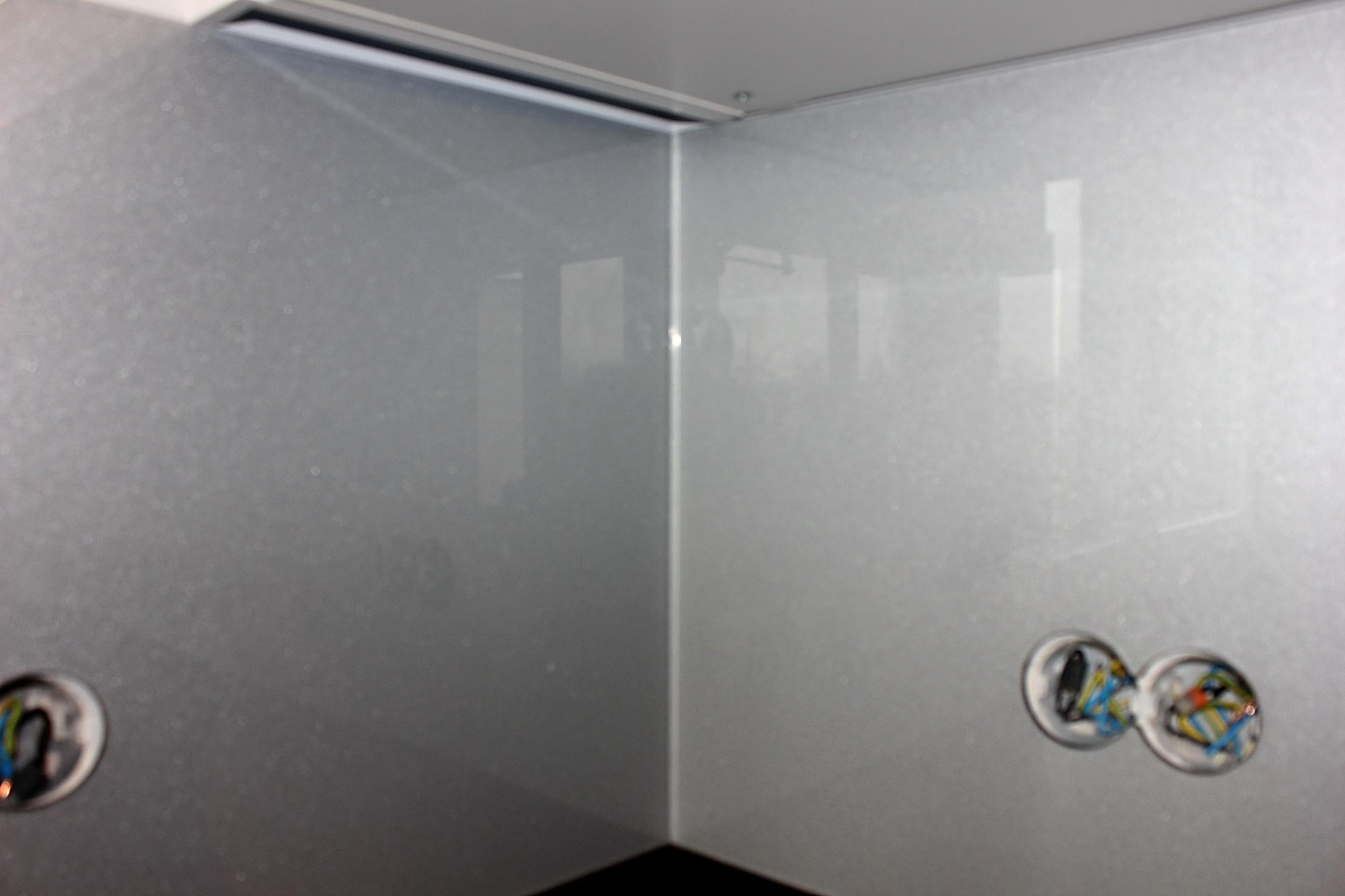 sklenená zástena perlet strieborna 3