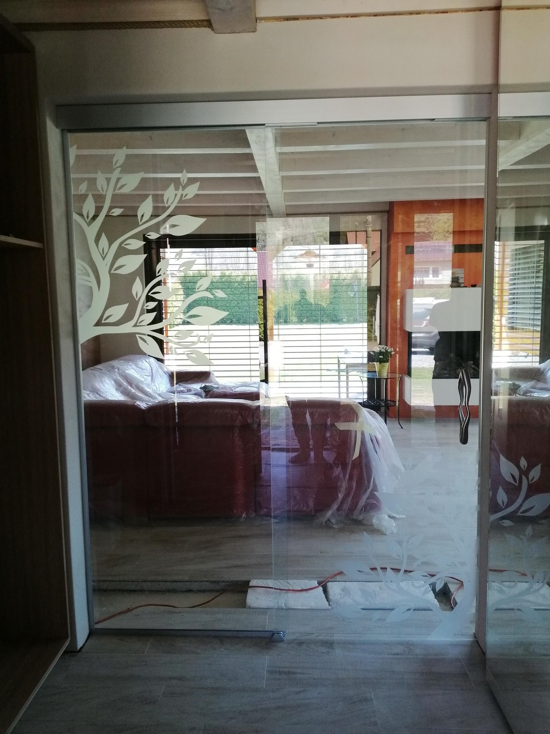 sklenené posuvné dvere