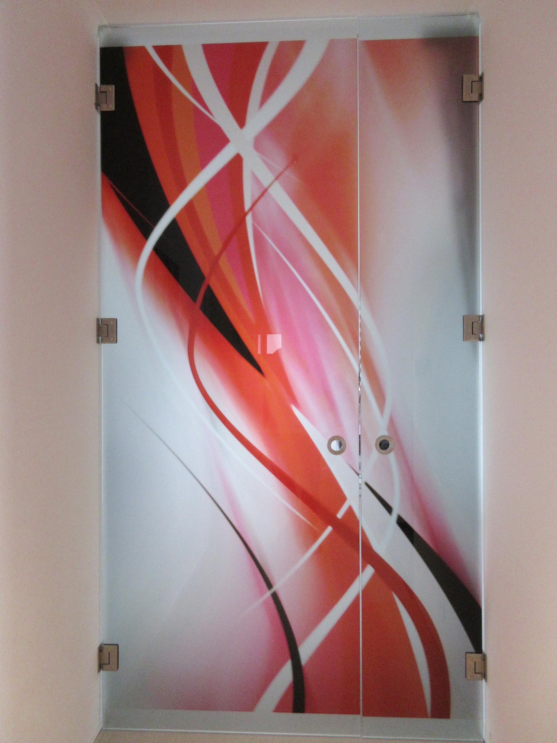 sklenené kyvné dvere