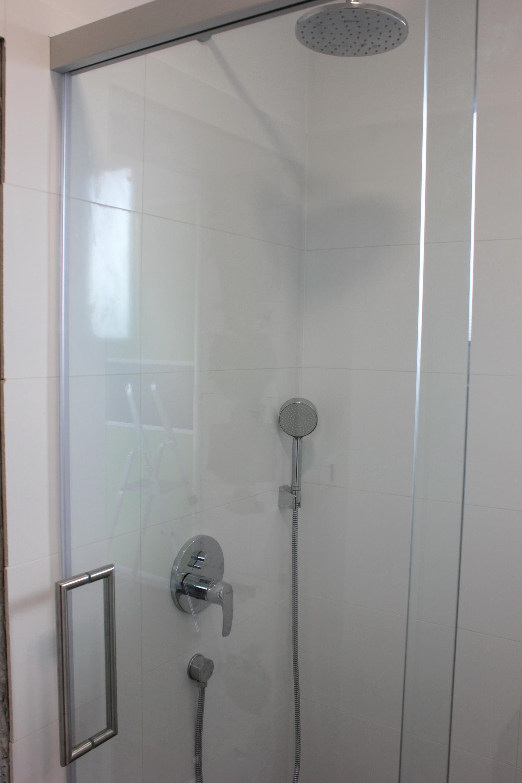 sprchový kút na mieru