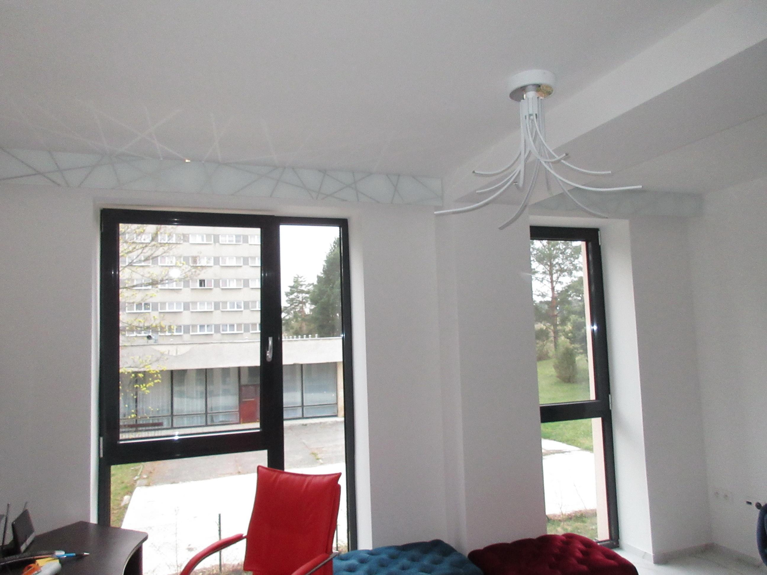sklenené garniže